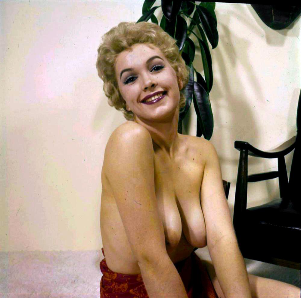 Stella Stevens Schallwig shoot lei 05